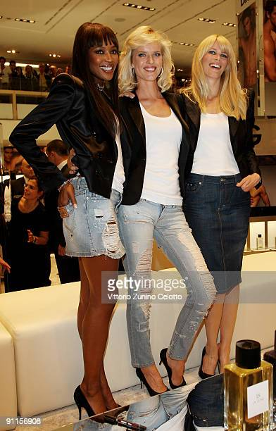 Naomi Campbell Eva Herzigova Claudia Schiffer attend the DG Perfumes Collection Launch at la Rinascente Piazza on September 25 2009 in Milan Italy