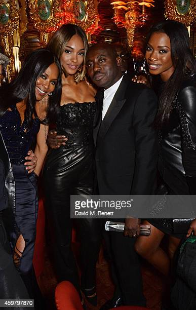 Naomi Campbell Jourdan Dunn Edward Enninful and Sigail Currie attend a party in celebration of Edward Enninful in The Oscar Wilde Bar Hotel Cafe...