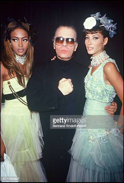 Naomi Campbell Karl Lagerfeld Christy Turlington Backstage Chanel ready to wear fashion show spring summer 1992 collection in Paris