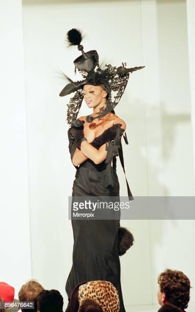 Naomi Campbell, London Fashion Week 1993, 18th October 1993.