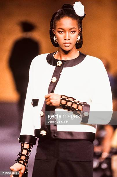 Naomi Campbell walks the runway at the Chanel Haute Couture Fall/Winter 19891990 fashion show during the Paris Fashion Week in July 1989 in Paris...