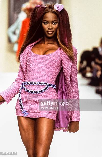 Naomi Campbell walks the runway at the Chanel Ready to Wear Spring/Summer 19931994 fashion show during the Paris Fashion Week in October 1993 in...