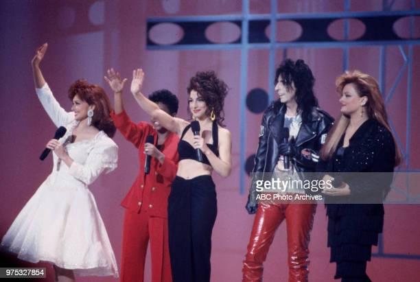 Naomi Judd Gloria Estefan Alice Cooper Wynonna Judd on the 17th Annual American Music Awards Shrine Auditorium January 22 1990