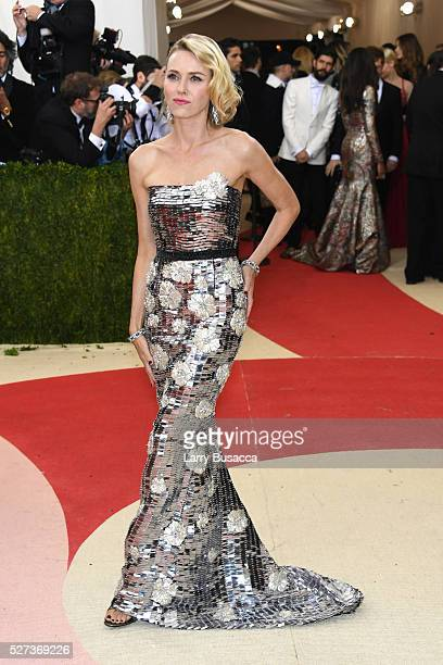 """Naomi Watts attends the """"Manus x Machina: Fashion In An Age Of Technology"""" Costume Institute Gala at Metropolitan Museum of Art on May 2, 2016 in New..."""