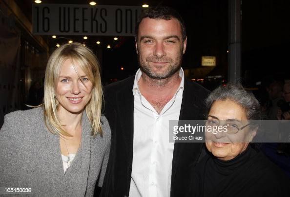 Naomi Watts, Liev Schreiber and his mother Heather ...