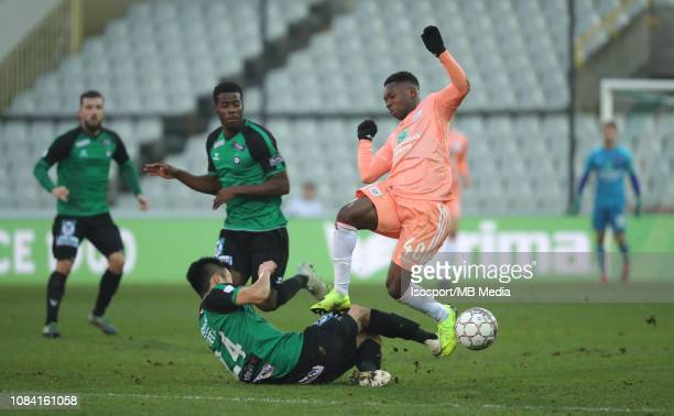 Naomichi Ueda of Cercle and Francis Amuzu of Anderlecht fight for the ball during the Jupiler Pro League match between Cercle Brugge KSV and RSC...