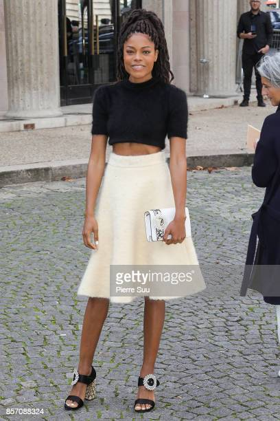 Naomie Harris arrives at the Miu Miu show as part of the Paris Fashion Week Womenswear Spring/Summer 2018 on October 3 2017 in Paris France