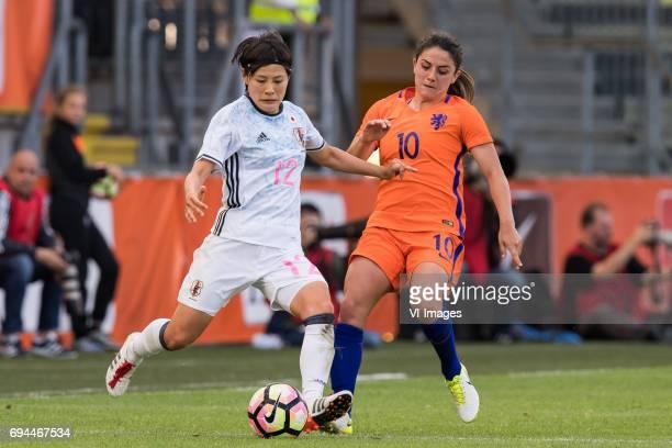 Naomoto Hikaru of Japan Danielle van de Donk of the Netherlandsduring the friendly match between the women of The Netherlands and Japan at the Rat...