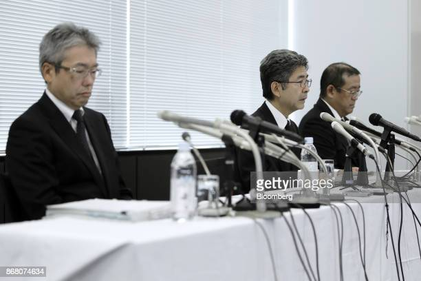 Naoto Umehara executive vice president of Kobe Steel Ltd center speaks while Kazuaki Kawahara managing executive officer left and Yoshihiko Katsukawa...