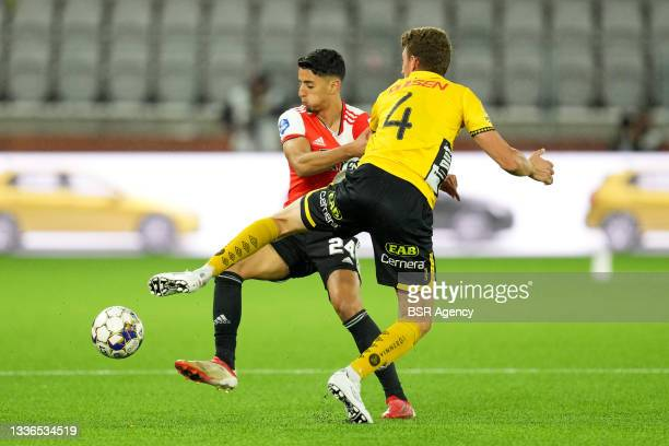 Naoufal Bannis of Feyenoord, Christopher McVey of IF Elfsborg during the UEFA Conference League match between IF Elfsborg and Feyenoord at Boras...