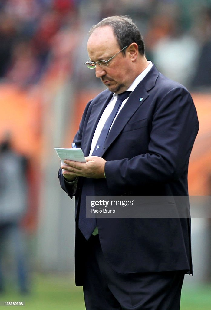 Napoli head coach Rafael Benitez during the Serie A match between AS Roma and SSC Napoli at Stadio Olimpico on April 4, 2015 in Rome, Italy.
