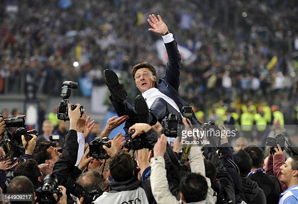 Napoli head coach Walter Mazzarri celebrates after the Tim Cup Final between Juventus FC and SSC Napoli at Olimpico Stadium on May 20, 2012 in Rome,...