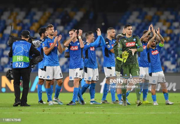 Napoli players applaud their supporters after the UEFA Champions League group E match between SSC Napoli and RB Salzburg at Stadio San Paolo on...