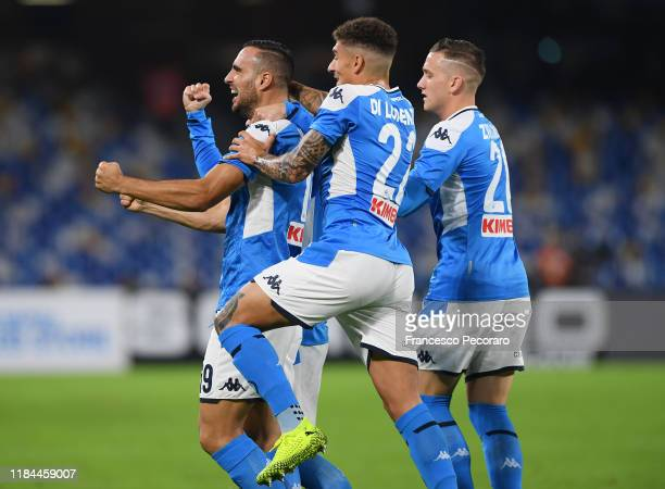 Napoli players celebrate the 10 goal scored by Nikola Maksimovic during the Serie A match between SSC Napoli and Atalanta BC at Stadio San Paolo on...