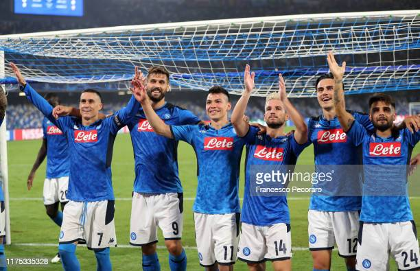 Napoli players celebrate the victory after the UEFA Champions League group E match between SSC Napoli and Liverpool FC at Stadio San Paolo on...