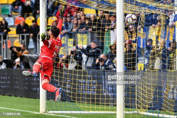 Napoli's Belgian forward Dries Mertens shoots to score during the Italian Serie A football match Frosinone vs Napoli on April 28 2019 at the...