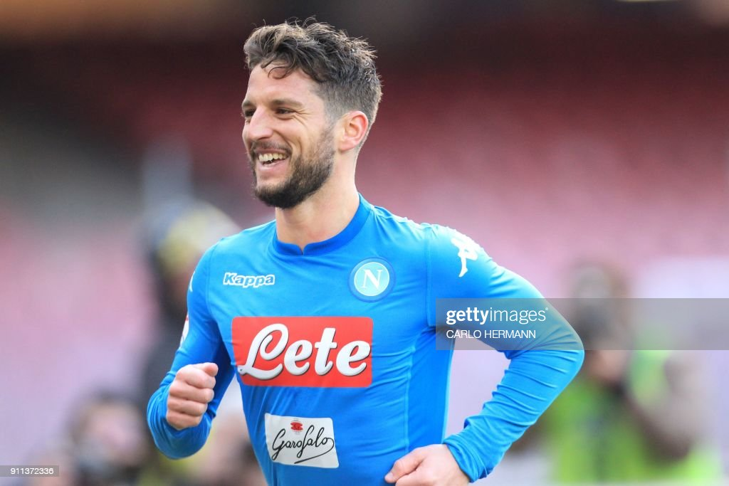 Napoli's Belgian striker Dries Mertens celebrates after scoring a goal during the Italian Serie A football match SSC Napoli vs Bologna FC on January 28, 2018 at the San Paolo Stadium. /