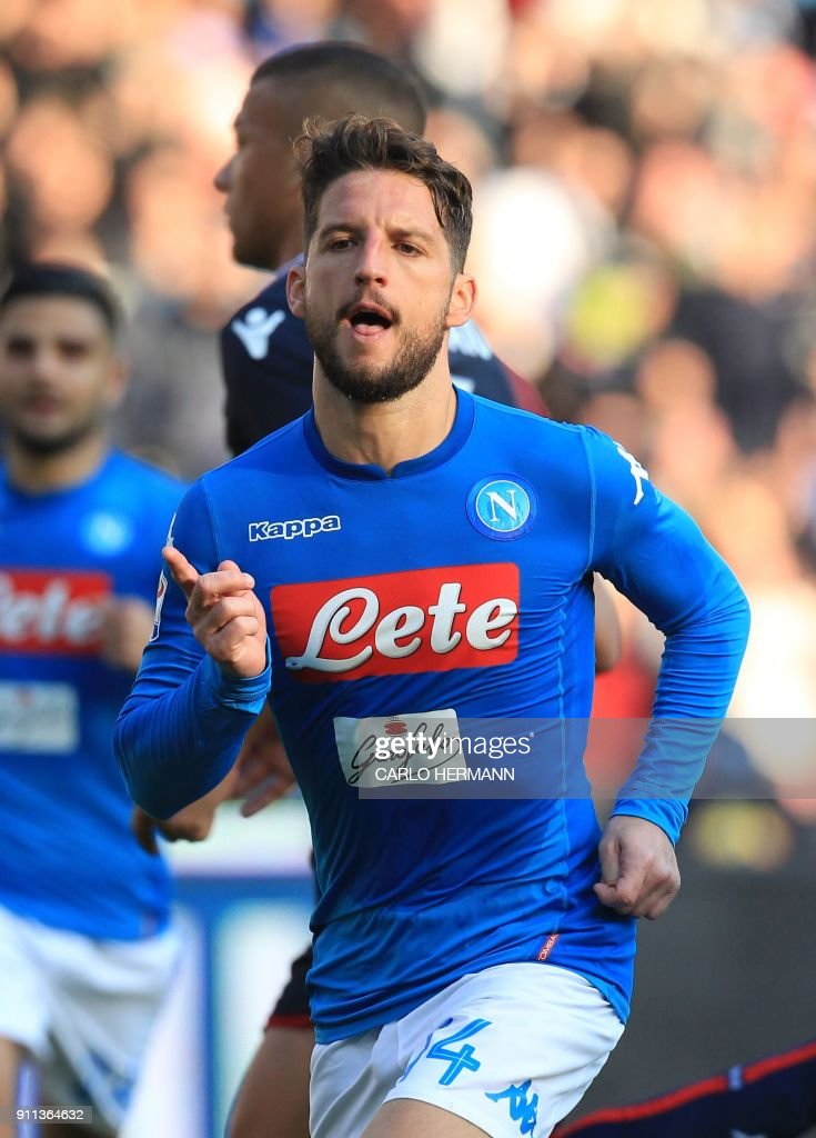 Napoli's Belgian striker Dries Mertens celebrates after scoring a penalty during the Italian Serie A football match SSC Napoli vs Bologna FC on January 28, 2018 at the San Paolo Stadium. /