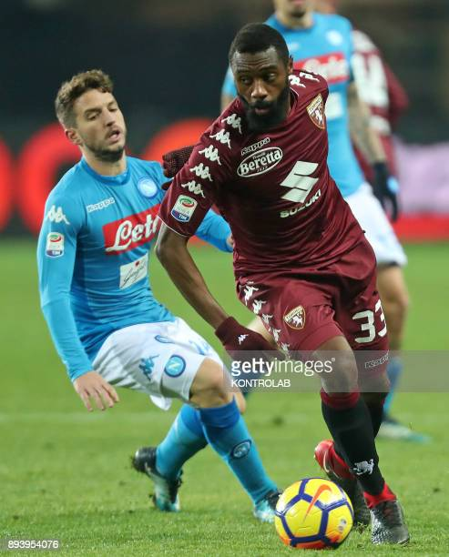 STADIUM TORINO PIEMONTE ITALY Napoli's Belgian striker Dries Mertens fights for the ball with Torino's Italian defender Cristian Molinaro during the...
