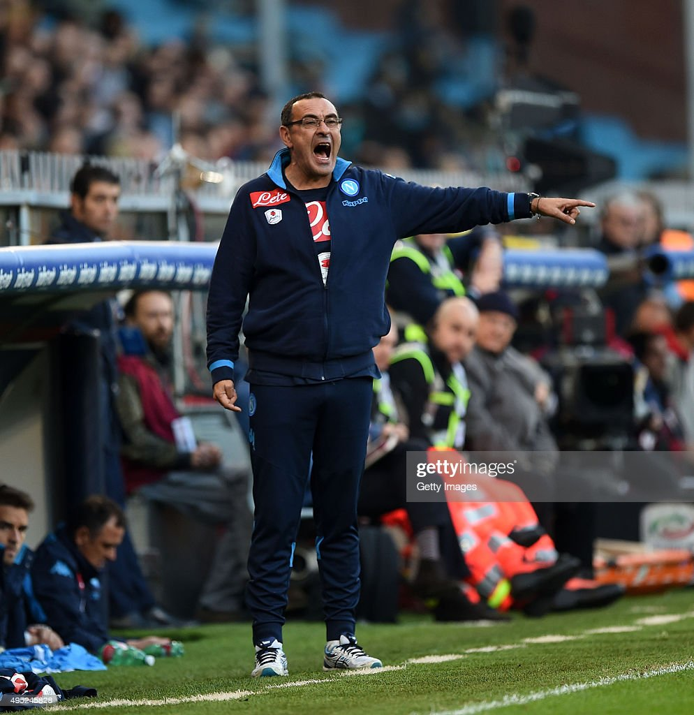 Napoli's coach Maurizio Sarri gestures during the Serie A match between Genoa CFC and SSC Napoli at Stadio Luigi Ferraris on November 1, 2015 in Genoa, Italy. (Photo by Francesco Pecoraro/Getty Images