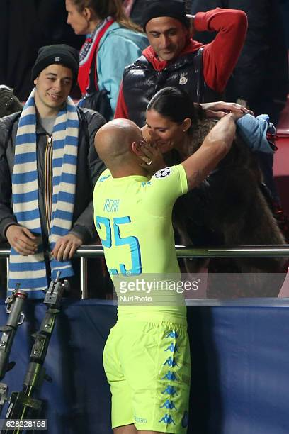 Napoli's goalkeeper Pepe Reina celebrates their victory with his wife after the UEFA Champions League Group B football match SL Benfica vs Napoli at...