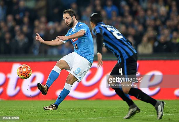 Napoli's player Gonzalo Higuain vies with FC Internazionale Milano player Jeison Murillo during the Serie A match between SSC Napoli and FC...