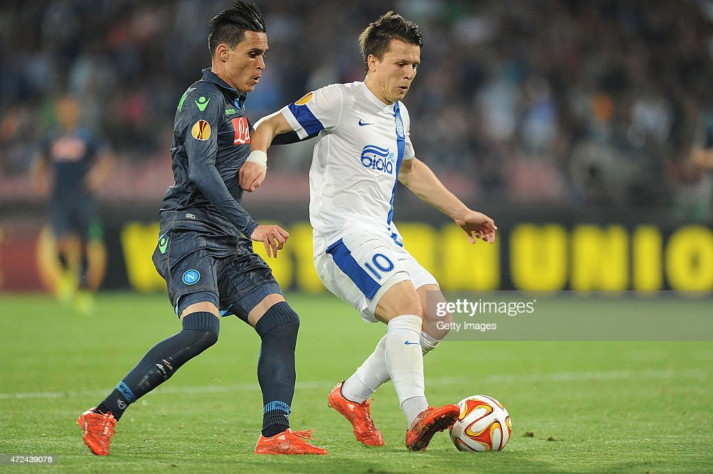 Napoli's player Josè Maria Cellejon vies with FC Dnipro Dnipropetrovsk player Yevhen Konoplyanka during the UEFA Europa League Semi Final between SSC Napoli and FC Dnipro Dnipropetrovsk on May 7, 2015 in Naples, Italy.