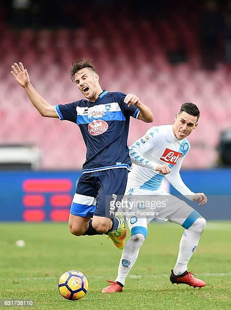 Napolis player Jose Callejon vies with Pescara Calcio player Valerio Verre during the Serie A match between SSC Napoli and Pescara Calcio at Stadio...
