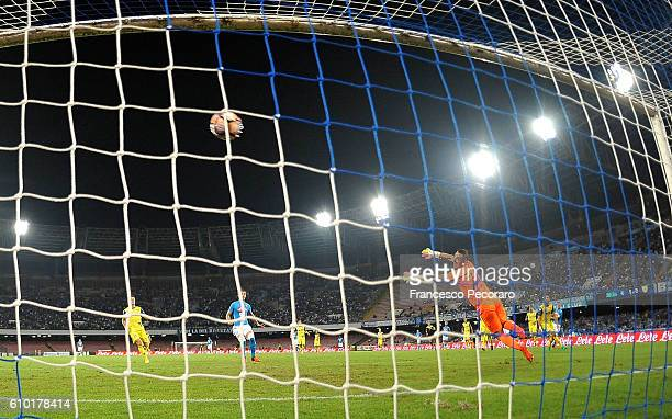 Napolis player Marek Hamsik scores the goal of 20 during the Serie A match between SSC Napoli and AC ChievoVerona at Stadio San Paolo on September 24...