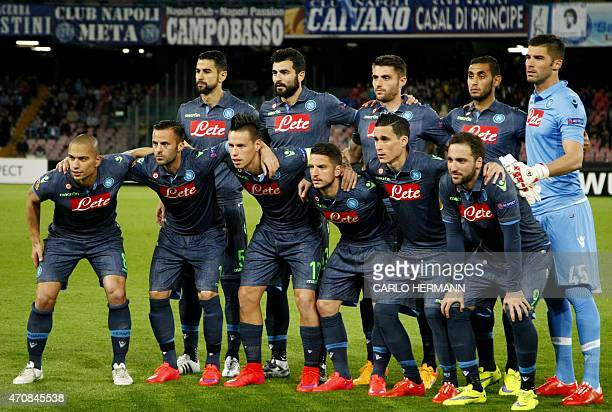 Napoli's players pose before the UEFA Europa League quarter final second leg football match SSC Napoli vs VFL Wolfsburg on April 23, 2015 at the San...