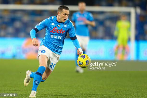 Napoli's Polish midfielder Piotr Zielinski controls the ball during the Serie A football match between SSC Napoli and Benevento. Napoli won 2-0.