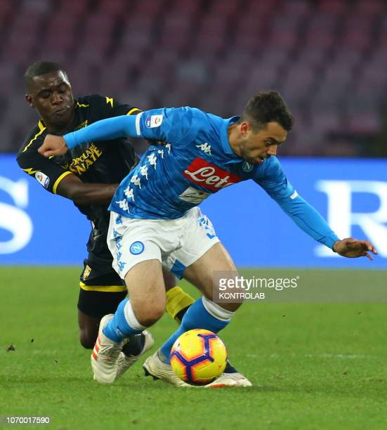 STADIUM NAPLES CAMPANIA ITALY Napoli's striker from Germany Amin Younes fights for the ball with Frosinone's Costarican goalkeeper Joel Campbell...