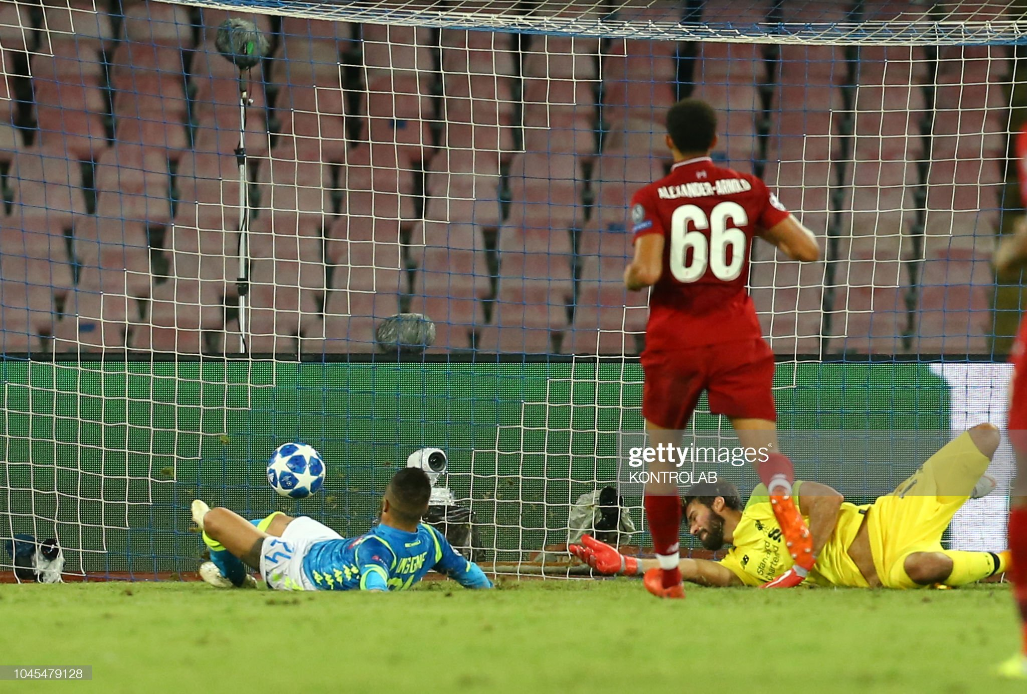 Napoli's striker from Italy Lorenzo Insigne (L) scores... : News Photo