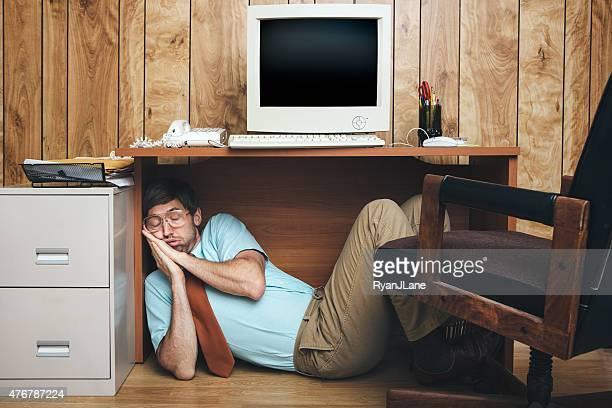 naptime office worker - een dutje doen stockfoto's en -beelden