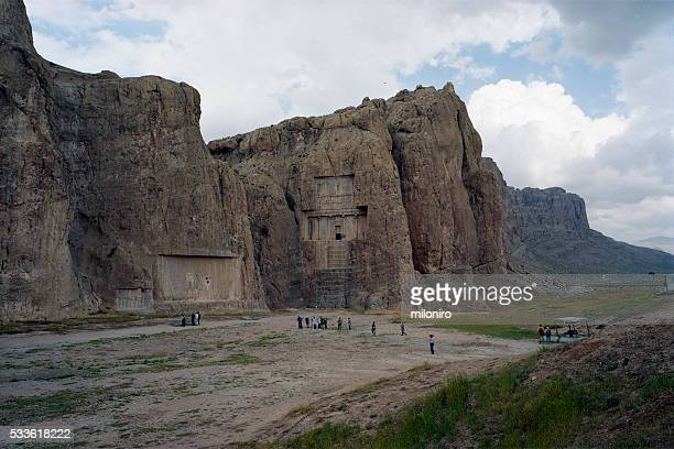 naqsh-e rustam - miloniro stock pictures, royalty-free photos & images
