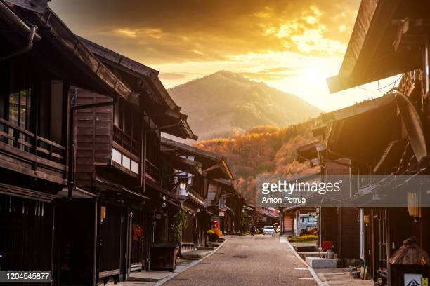narai-juku, japan. picturesque view of old japanese town - 長野県 ストックフォトと画像