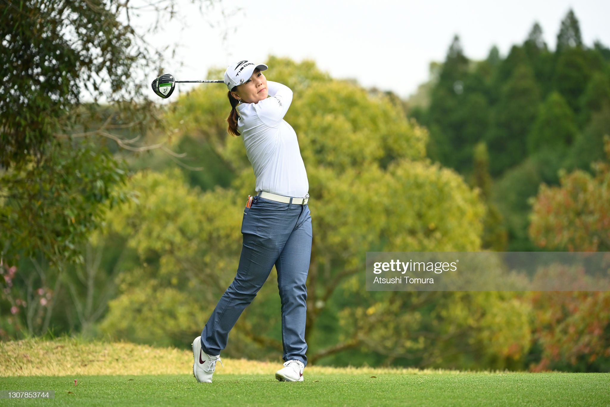 https://media.gettyimages.com/photos/nari-lee-of-south-korea-hits-her-tee-shot-on-the-5th-hole-during-the-picture-id1307853744?s=2048x2048