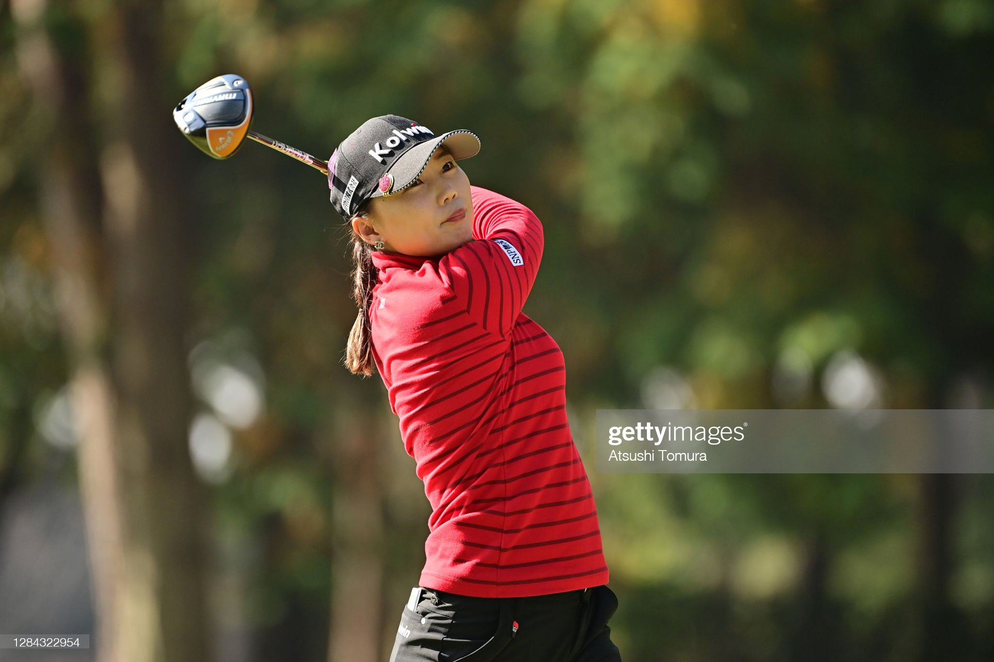 https://media.gettyimages.com/photos/nari-lee-of-south-korea-hits-her-tee-shot-on-the-9th-hole-during-the-picture-id1284322954?s=2048x2048
