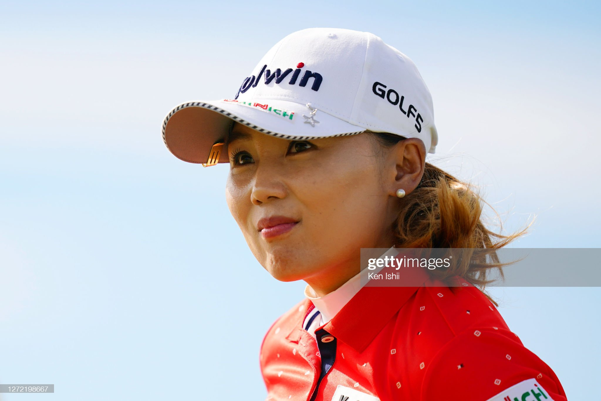 https://media.gettyimages.com/photos/nari-lee-of-south-korea-reacts-after-holing-out-on-the-18th-green-picture-id1272198667?s=2048x2048