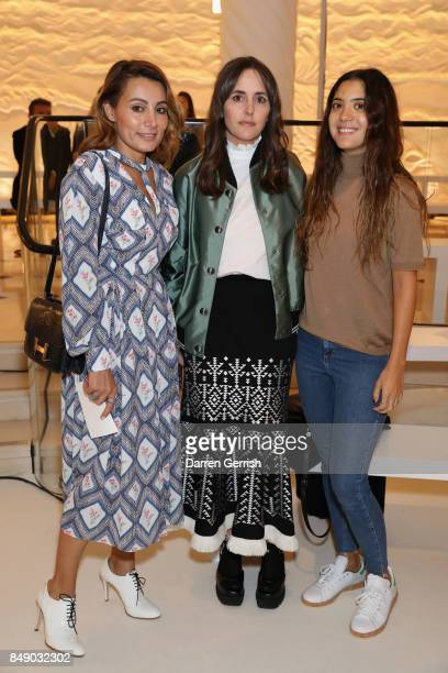 Narmina Marandi Tania Fares and Noor Fares attend the Emilia Wickstead show during London Fashion Week September 2017 on September 18 2017 in London...