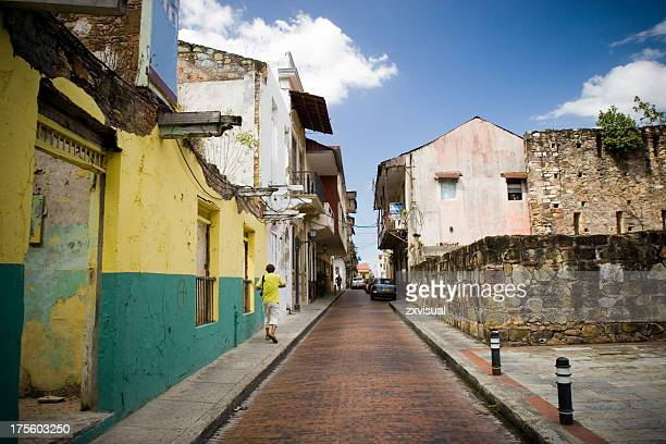 A narrow street in Casco Viejo