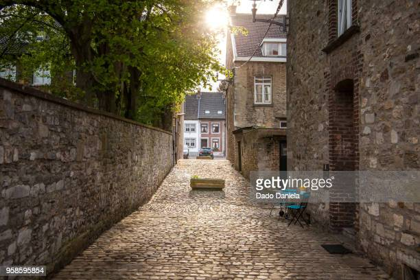 narrow street - liege stock pictures, royalty-free photos & images