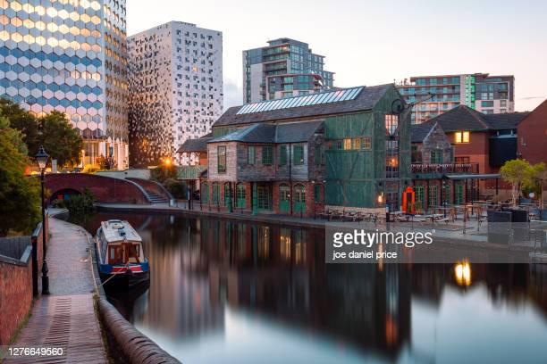 narrowboat, gas street basin, birmingham, england - birmingham england stock pictures, royalty-free photos & images