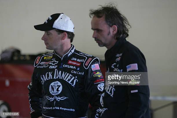 Nascar Dave Blaney crew chief Philippe Lopez during practice for the NEXTEL Cup UAWDaimler Chrysler 400 on March 11 2005 in Las Vegas NV Jimmie...
