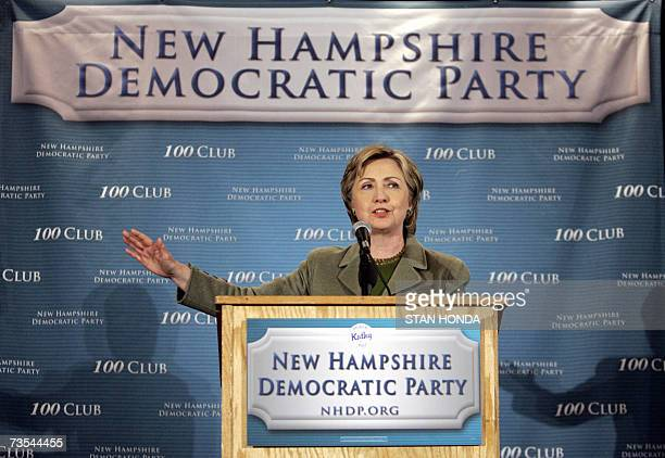 Democratic presidential hopeful and US SenATOR Hillary Rodham Clinton speaks at a New Hampshire Democratic Party fundraiser 10 March 2007 in Nashua...