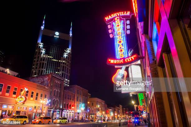 nashville night street scene music row tennessee travel destinations - tennessee stock pictures, royalty-free photos & images