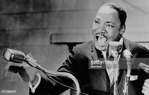 Nashville: Rev. Martin Luther King Jr. Speaks to a packed crowd at Fisk University here and urges them to continue their demonstrations. Nashville...