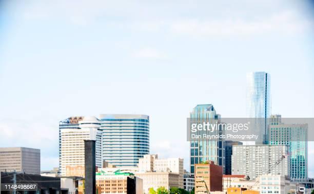 nashville skyline - nashville skyline stock pictures, royalty-free photos & images