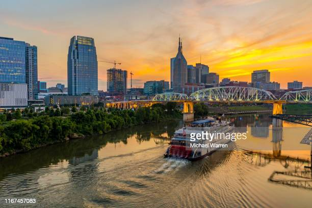 nashville tennessee skyline at night - nashville stock pictures, royalty-free photos & images