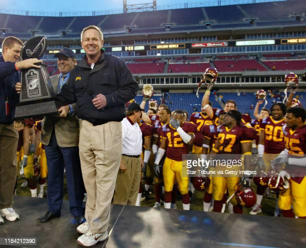 Head Coach Pictures and Photos - Getty Images